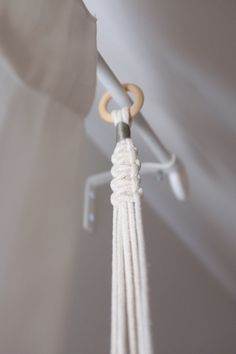 Macrame plant hanger natural white cotton rope por ritapierrette