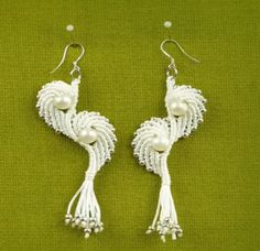 Create these Angel Wings Macrame Earrings with this step by step video tutorial. Learn how to macrame your own set of DIY earrings the easy way, and show off your new macrame and pearl earrings on special occasions.