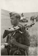 With a machine gun MG-42 machine gunner from the elite division of the German Großdeutschland