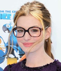 Great tips on how to wear makeup with glasses. I tried them and it looked pretty good!