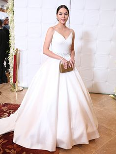 It helped that they brought super cute dates, too! Star Magic Ball, Watercolor Wallpaper Iphone, One Shoulder Wedding Dress, What To Wear, Super Cute, Celebrity, Celebs, Actresses, Bride
