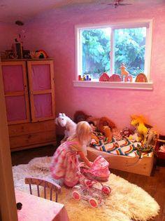Santa Barbara Natural Mama: A Waldorf-Style Bedroom