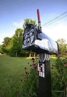 Star Wars Mailbox...pretty sure the hubby would love this!