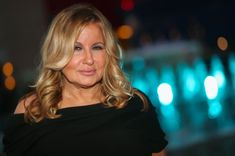 """Jennifer Coolidge Said Her Experience On """"Friends"""" Was """"Serious"""" And """"Intimidating"""" Show Runner, Jennifer Coolidge, Kathleen Turner, Freddie Prinze, Moving To The Uk, Friends Cast, Christina Applegate, British Accent, Winona Ryder"""