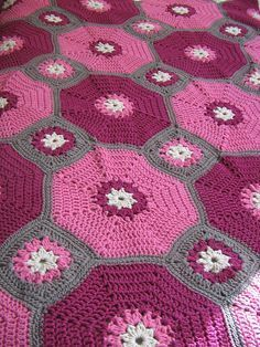 Octagons and Squares, free pattern from Red Heart. Not in these colors (or in that yarn), but there's some awesome potential here! :-)