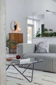 MILTÄ NÄYTTÄÄ JOULU 2019 | MUSTA OVI – Vuoden 2016 ja 2017 sisustusblogi Glass Table, Christmas 2019, Living Room Designs, My House, Scandinavian, New Homes, Lounge, Inspiration, Furniture