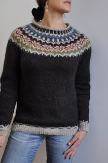 I love my lopi, it was a great knit, the yarn is very nice to knit, despite it is scratchy on my skin ; Pattern is e Fair Isle Knitting Patterns, Knitting Charts, Free Knitting, Knit Patterns, Norwegian Knitting Designs, Tejido Fair Isle, Icelandic Sweaters, Ravelry, Sweater Design