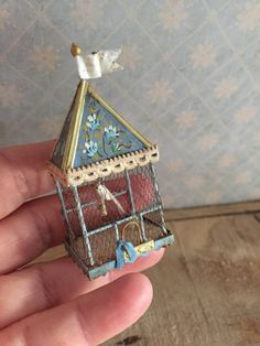 Hey, I found this really awesome Etsy listing at https://www.etsy.com/listing/486768144/cage-bleue-motif-fleurs