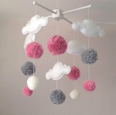 Baby mobile – Cot mobile – clouds and pom poms – Cloud Mobile – Baby girl mobile – Nursery Decor – Pastel Nursery – Pink, white and grey Baby mobile Kinderbett-Mobile Wolken und Pom Poms Mobile Baby Decoration, Pom Pom Mobile, Mobile Craft, Pastel Nursery, Girl Nursery, Nursery Room, Diy Nursery Decor, Room Decor, Baby Mobile