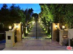 Luxury real estate in Beverly Hills CA US - 9105 Hazen Dr - JamesEdition