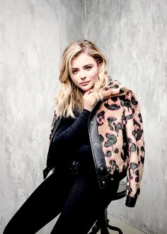 Chloë Moretz photographed with an iPhone 7 by Matt Barnes inside Toronto International Film Festival's Photo Studio: Day 9 The Most Beautiful Girl, Beautiful People, Brooke Hogan, Ellie Goulding, Chloe Grace Moretz, Beautiful Celebrities, Celebrity Pictures, Celebrity Crush, Bellisima