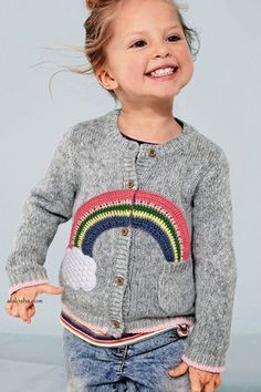Cool kids style - Check out this post full of children's fashion inspiration, from breton tops, stylish knits, prints, denim and more! Little Girl Fashion, Toddler Fashion, Fashion Kids, Jupe Short, Embroidery Fashion, Embroidery Ideas, Stylish Kids, Kind Mode, Kids Wear