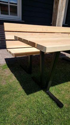 Nieuw in ons assortiment meubels van staal.