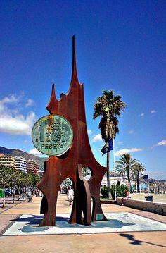 Monumento a la peseta, Fuengirola.