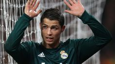 Manchester United 1 - 2 Real Madrid: Christiano Ronaldo during teh match #HalaMadrid #RealMadrid