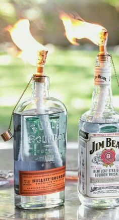 DIY Tiki Torch Bottles a great example of a style pinsight from a chicc minded pinnerChoose The Best Stuff: Garden Stuffs ! DIY Tiki Torch Bottles Really want excellent tips concerning arts and crafts?DIY Tiki Torch Bottles - I'm fascinated. I wonder how Diy Außenbar, Diy Crafts, Recycled Crafts, Easy Diy, Garden Crafts, Fun Diy, Party Crafts, Recycled Wood, Creative Crafts