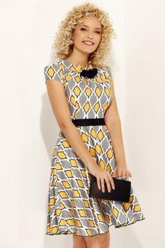 Rochii Romania is under construction Short Sleeve Dresses, Dresses With Sleeves, Fashion Dresses, Satin, Floral, Vintage, Tulle, Clothing, Fashion Show Dresses