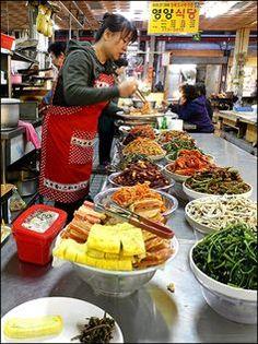 Lunch at the Market in Gyeongju, Gyeongsangbukdo, Korea. #market #food