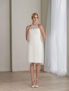 Image from http://www.aubridal.com/uploadfile/201204/sleeveless-tea-length-strapless-lace-halter-crystal-natural-wedding-dresses-melbourne_650x650px.jpg.