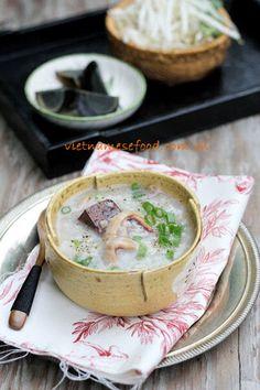 Dried Squid Porridge Recipe (Cháo Mực Khô) from http://www.vietnamesefood.com.vn/vietnamese-recipes/vietnamese-food-recipes/dried-squid-porridge-recipe-chao-muc-kho.html