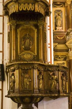 Picture of San Francisco church: pulpit