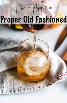 Old Fashioned Simple Syrup, Making An Old Fashioned, Whiskey Old Fashioned, Old Fashioned Drink, Old Fashioned Recipes, Old Fashioned Cocktail Recipe Simple Syrup, Fruity Cocktails, Bourbon Cocktails, Whiskey Drinks