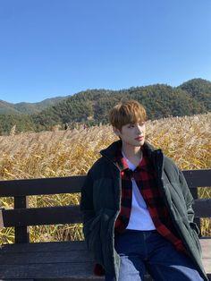 Woollim Entertainment, Korean Boy Bands, Fans Cafe, Golden Child, Kpop, Bffs, Jaehyun, Seventeen, Boy Groups