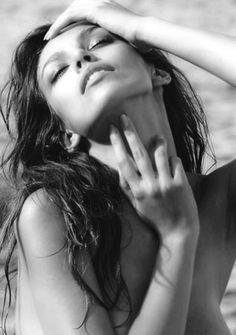 Madalina Ghenea in black & white. Sexy Model   Romanian Actress   http://www.sexy-calendars.net