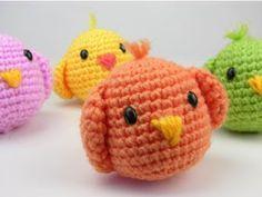 Chicken for rattle Easter Crochet, Cute Crochet, Crochet Dolls, Crochet Baby, Knit Crochet, Amigurumi Patterns, Crochet Chicken, Crochet Cross, Diy Tutorial