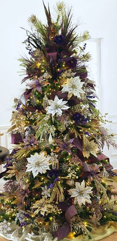 Christmas Tree ● Shades of Purple  I think I have found my inspiration for our first Xmas tree this year:)