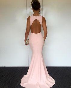 @jorgeanemoreira - Como não amar? New Dress Claire por #JorgeaneMoreira → shop.jorgeanemoreira.com