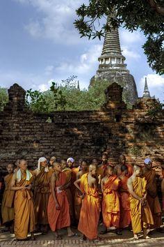 Viharn Phra Mongkol Bopitah temple in Ayutthaya, Thailand Buddha Temple, Buddha Buddhism, Buddhist Monk, Bangkok, Ayutthaya Thailand, Temple Thailand, Vietnam, Paradise On Earth, Life Is A Journey