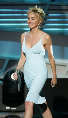 More Pics of Sharon Stone Diamond Hoops (1 of 12) - Sharon Stone Lookbook - StyleBistro Sharon Stone Short Hair, Sharon Stone Hairstyles, Sharon Stone Photos, Espy Awards, Ford Capri, Fashion Cover, Athletic Men, Date Outfits, Pixie Haircut