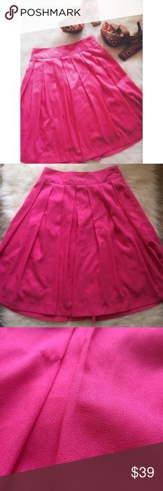 • Dailylook • Pink Skirt This skirt looks great with a white top and nude wedges or heels! There are multiple snagged areas, but they aren't very noticeable. The marks are on the back right side. There is an inner lining. Zipper on the back. Not sure what type of material—the tag has faded. 0208172.  ✅Reasonable offers welcome! ✅BUNDLE DISCOUNTS! 🚫No trades/paypal/other apps. 🚫No lowball offers. Dailylook Skirts Midi