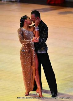 Latin dress with slit skirt and lots of rhinestones - Ballroom Costumes, Latin Ballroom Dresses, Ballroom Dance Dresses, Ballroom Dancing, Dance Costumes, Latin Dresses, Line Dance, Dance Fashion, Dance Outfits