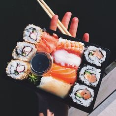 I have food cravings everyday and it's always sushi! I Love Food, Good Food, Yummy Food, Junk Food, Food Porn, Food Goals, Aesthetic Food, Food Cravings, Food Inspiration
