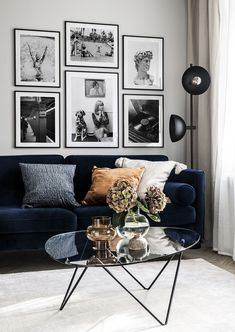 Discover our inspiration rooms with lots of gallery walls in different styles. With one easy click you can shop your favorite gallery wall online - today!