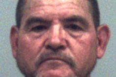Jardineiro é preso após ser flagrado fazendo sexo com cachorro