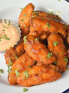 Honey Mustard Wings, Honey Garlic Chicken Wings, Honey Glazed Chicken, Baked Chicken, Hot Wings Recipe Fried, Super Bowl Wings Recipe, Cream Sauce For Chicken, Hot Wing Sauces, Spicy Wings