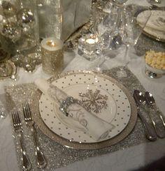 Новогодняя сервировка в серебре