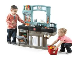 Whip up some fun with the Best Chef's Kitchen by Step2! This play kitchen has a unique design and a fresh color scheme that both parents and kids will love.
