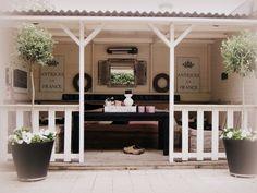Mooie verande bruin wit met roze accenten