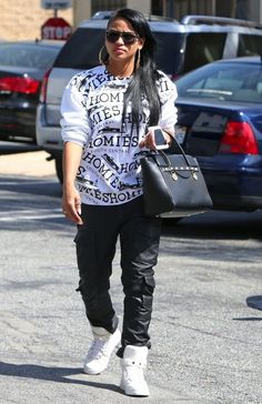@Cassie wearing a @BriLichtenberg homiès sweatshirt #mode #fashion #streetwear #brands