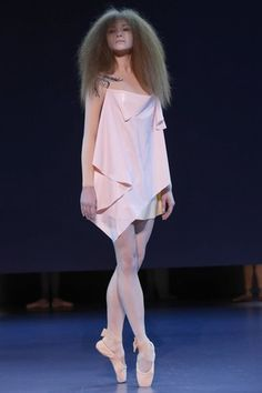 Viktor & Rolf Spring 2014 Haute Couture: A Poised Ballerina | Tales From a High School Fashionista