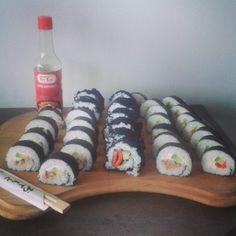 Homemade sushi #sushi #homemade #omnomnom #zmoimnajwazniejszym #cheatday #taotao #smokedsalmon #tuna #avocado #wasabi #caviar #podobnozonaidealna #bomazidealnynapewno