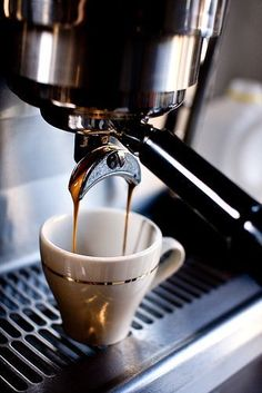 Find images and videos about coffee, drink and espresso on We Heart It - the app to get lost in what you love. I Love Coffee, Coffee Art, Best Coffee, Coffee Break, Coffee Shop, Coffee Cups, Coffee Maker, Coffee Lovers, Morning Coffee