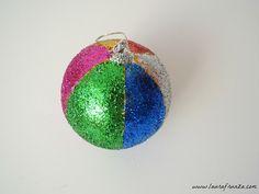 """Glob """"arlechin"""" decorat cu sclipici"""