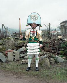 Los disfrazes que llevan en Ourense en carnaval acojonan bastante | VICE