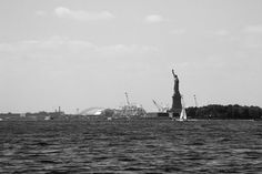 #newyork #ny #statueofliberty from #manhattan #island #dock #blackandwhite #noiretblanc #USA #étatsunis #unitedstates #canon📷 #G9 #compact #camera #StraigtOfLR #Adobe #lightroom #streetphotography