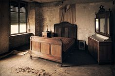 I was searching for abandoned buildings as inspiration for HDR photography and, no doubt I'm slow on the uptake, I discovered the genre 'Urban Exploration', which I immediately fe…